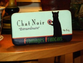 photo of wallet with chat noir and fromages