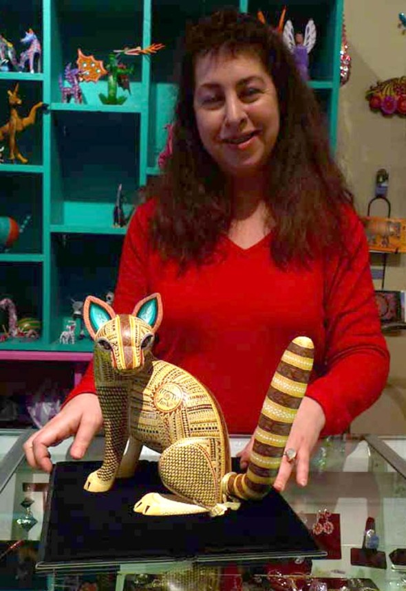 lisa with carved cat