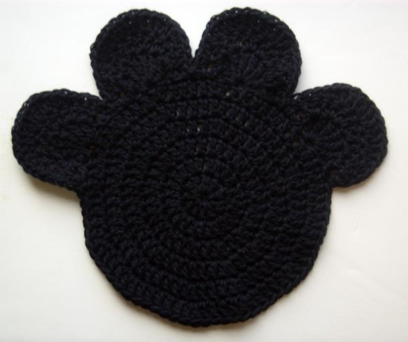 black crocheted pawprint
