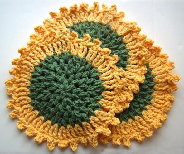 crocheted sunflower washcloths